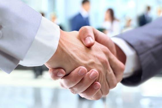 マーケティング担当者と営業担当者が手を取り合うためにすべきこと